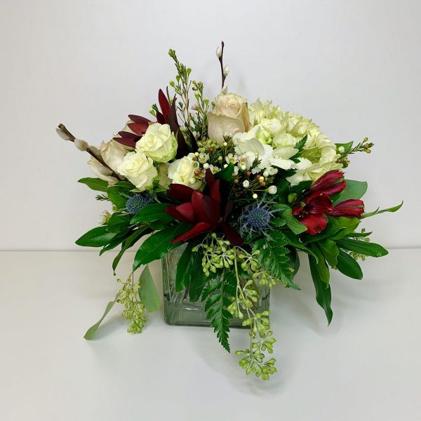 Cleverblooms Floral Arrangement